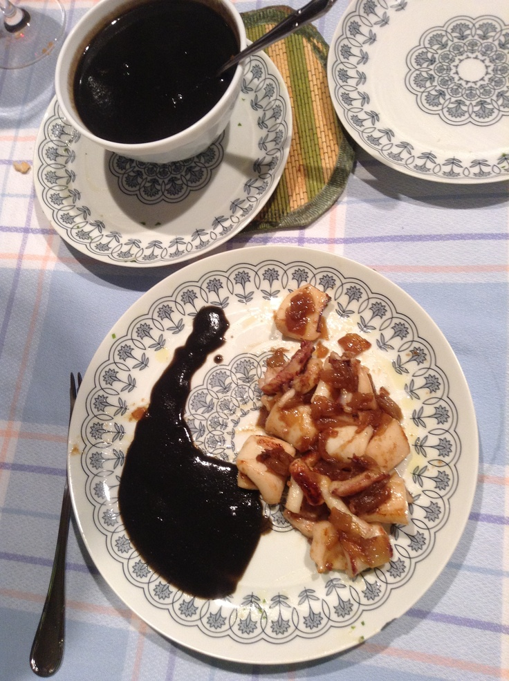 Homemade - Txipirones en su tinta...!! (Vasc style cooking)