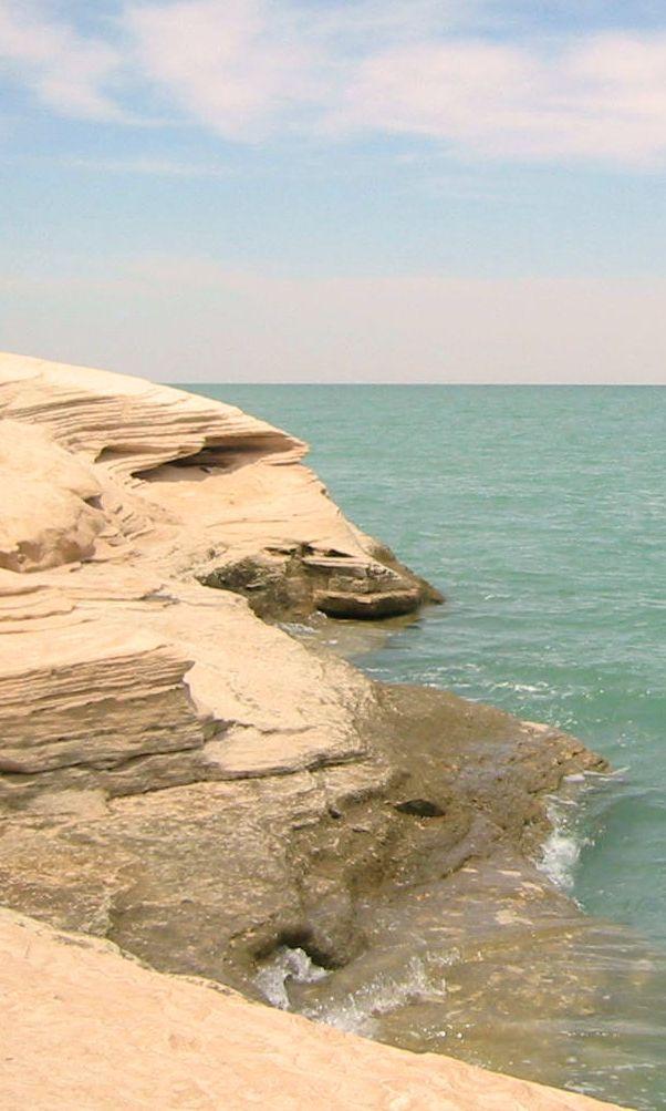"""La splendide plage de Nouadhibou, en Mauritanie / Lire l'article """"Préparer un tour du monde : les vaccins et la santé"""""""