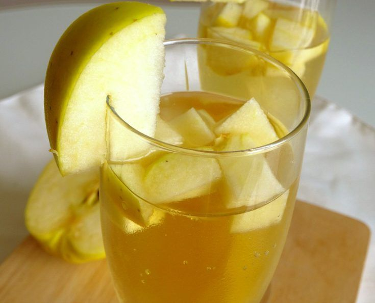 One of my most favourite fall cocktail recipes yet! White wine mixed with caramel vodka, apple juice and apples makes for a simple yet sophisticated sangria.