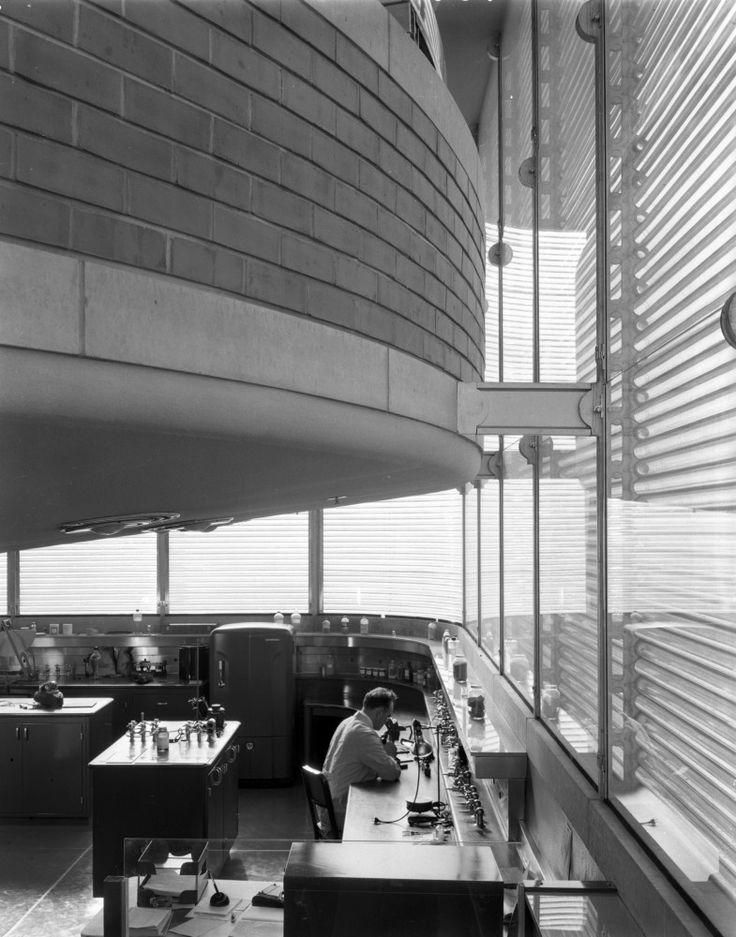 AD Classics: SC Johnson Wax Research Tower,View of double height laboratory spaces. Image © SC Johnson