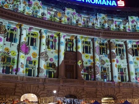 Christmas in Bucharest. See more pics: http://www.imperatortravel.ro/2012/12/prin-bucurestiul-impodobit-de-craciun.html