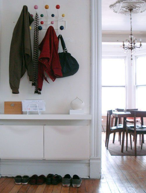 ikea trones in the perfect SMALL entryway set up
