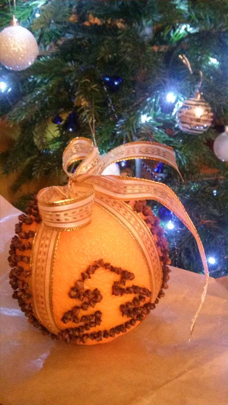Christmas decoration - orange and cloves