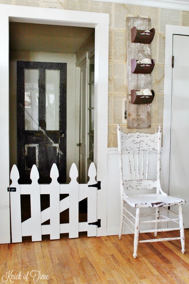 DIY white picket fence pet gate - KnickofTime.net