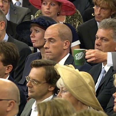 Een heel sterke inhaker op #Prinsjesdag 2012 van Cup a Soup op het indutmomentje van Samsom    Check ook de andere inhakers via de link!
