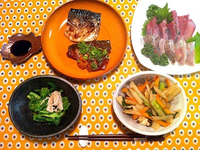 夕飯が魚の時に限って刺身を買ってくる家族…(笑) - 17件のもぐもぐ - サバの塩焼き&味噌煮 夕ご飯 by はなもも