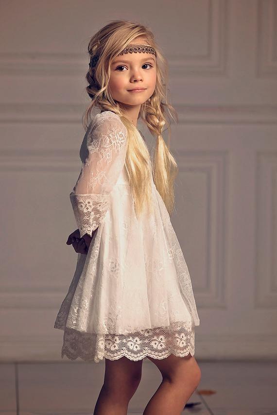 Robe de fille de Noël, robe de première communion, robe en dentelle blanc cassé avec fille de fleur, fille de fleur boho, robe en dentelle fille enfant en bas âge, mariage bohème – Unique dres