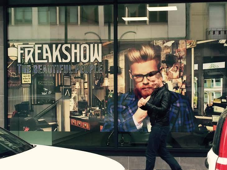 Merci à nos opticiens pour cette magnifique vitrine #Freakshow!