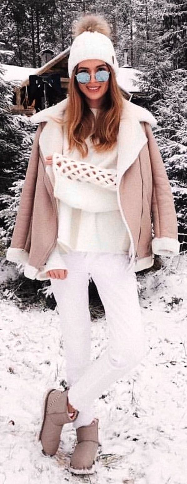 #winter #outfits  gray and white zip-up snow coat
