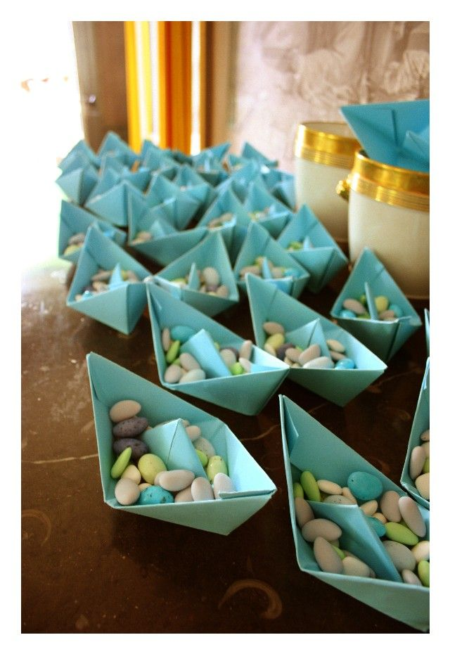 Paper boats wedding favours - could also use as place cards