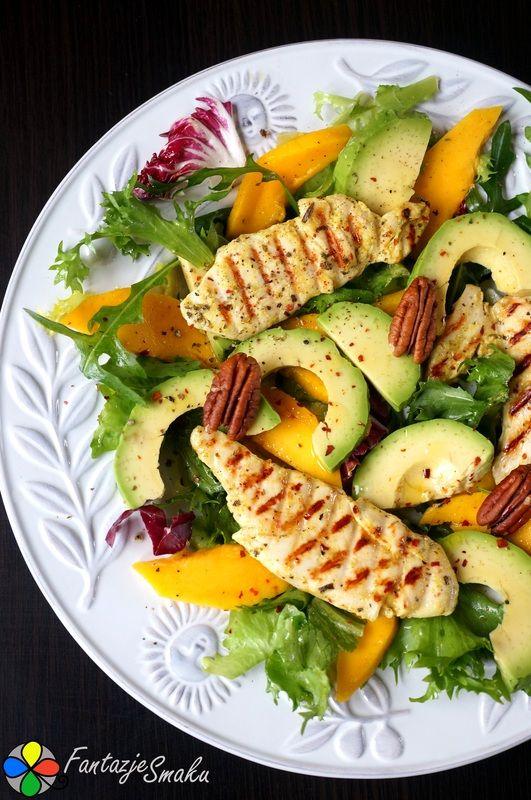 Sałatka z grillowanym kurczakiem, awokado i mango http://fantazjesmaku.weebly.com/blog-kulinarny/salatka-z-grillowanym-kurczakiem-awokado-i-mango