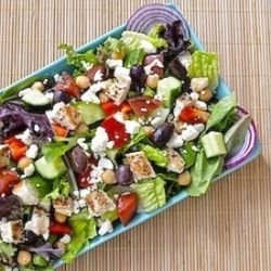 Loaded Greek Salad by virtuallyhomemade - this salad is dense enough to be an all-in-one meal and the dressing is fantastic! #food #recipes #yum