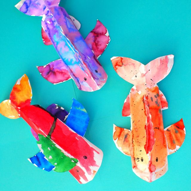 Colorful 3D Paper Plate Fish Craft (and our 10 Favorite Fish Books!)
