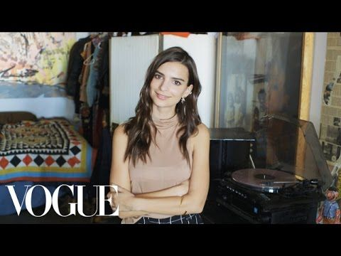 73 Questions With Emily Ratajkowski | Vogue - YouTube