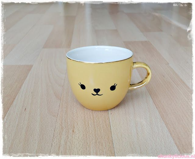 Upcycled vintage bear cup - just a black sharpie: Funny Cups, Cute Bears, Upcycled Teacups, Chunkylici, Bears Cups, Vintage Bears, Upcycled Vintage, Diy Crafty, Kawaii Crafts