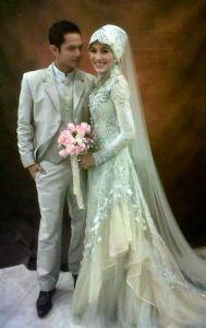 gaun pengantin muslim sederhana