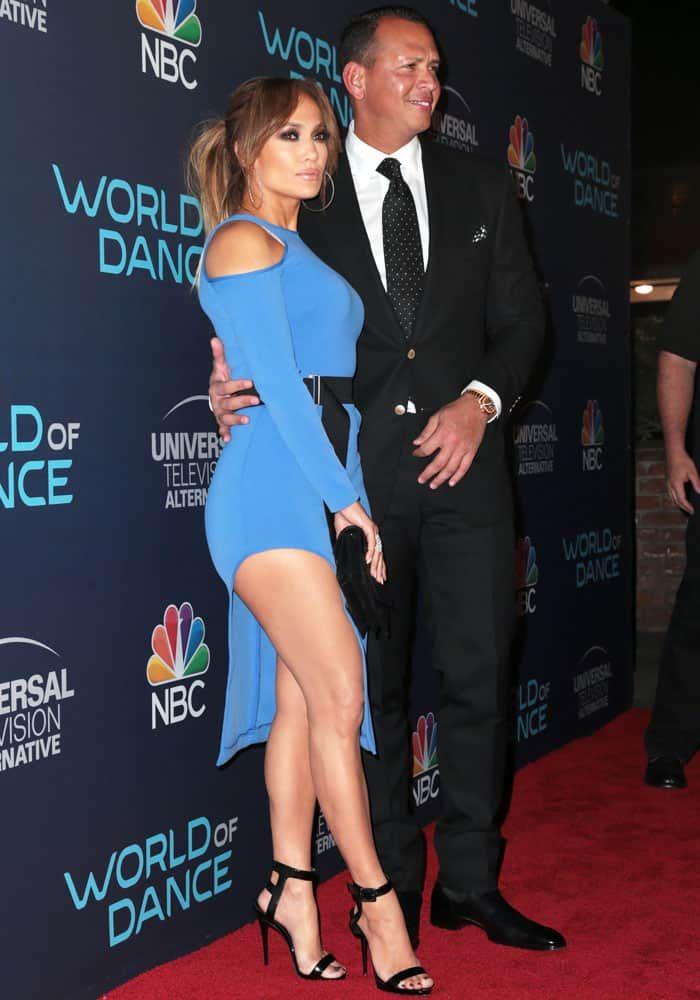 Jennifer lopez dating her dancer