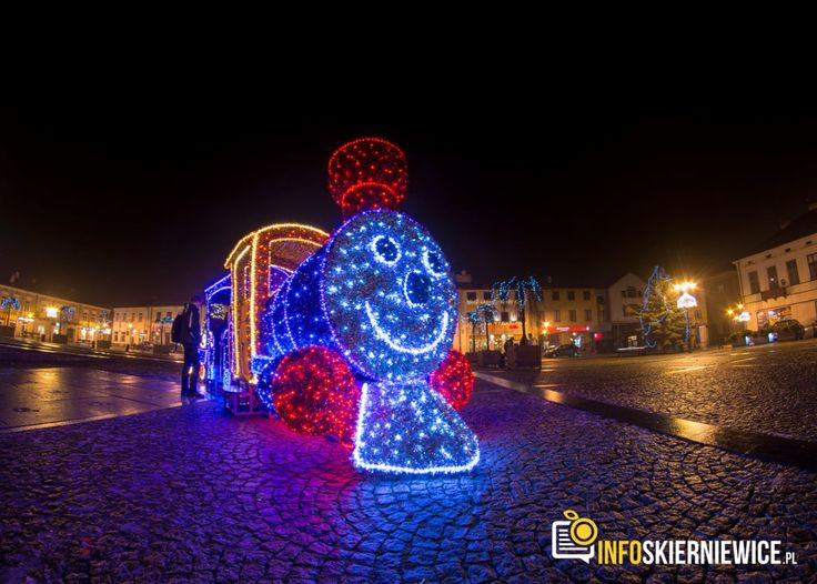 Zobacz, jak świąteczna iluminacja rozświetliła Skierniewice [ZDJĘCIA]