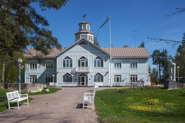 Syväranta Lotta Museum:  on the Tuusula Lake Road (Tuusulan Rantatie) where you can learn about the history of the Lotta Svärd organization