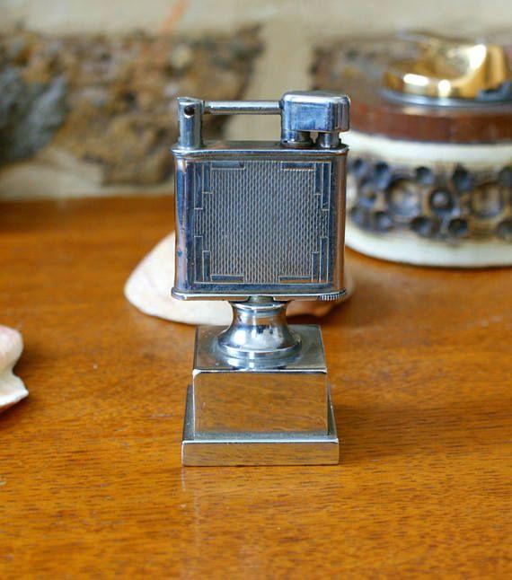 Diese Tischfeuerzeug ist ein sehr seltenes Stück zu finden und ein echtes Sammlerstück. Beney produziert Feuerzeuge von 1919 bis 1954. In diesem Zeitraum wurden Luxus Feuerzeuge und Stürmer Boxen für Luxus-Marken wie Alfred Dunhill London und Hermes Paris hergestellt. Diese legte sie