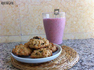 Cookies Fibras e Frutos - Saborosas, nutritivas e saudáveis, as Cookies de Fibras e Frutos dão-lhe energia redobrada. Uma boa opção para o lanche ou até mesmo para o seu pequeno-almoço.