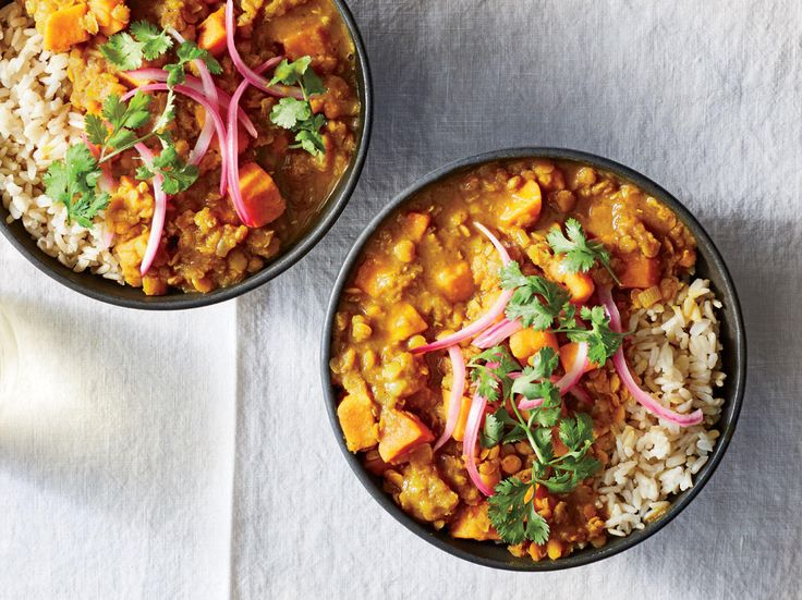 Our Best Meatless Monday Recipes for Fall | Start your back-to-school meal planning off right with some of our favorite veggie-forward recipes.