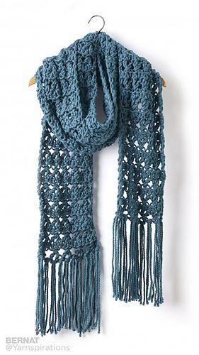 This textured crochet scarf in Bernat Softee Chunky has some fun fringe swinging…