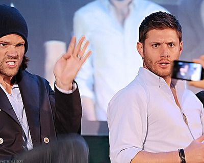 Haha so this is what they do when a fan takes a pic! -Jared Padalecki and Jensen Ackles