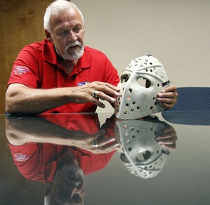 After 41 years, the goalie mask of Flyers legend Bernie Parent turns up.