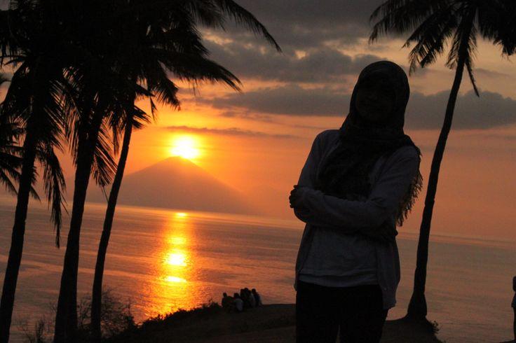 golden sunset-malimbu