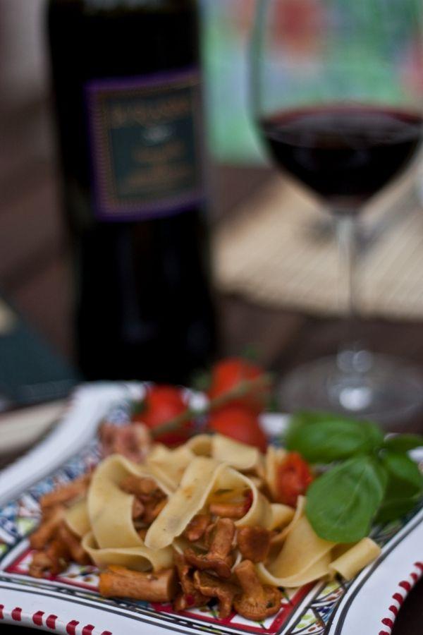 Nóż i Widelec: Wino + jedzenie #3: Pappardelle i kurki + La Rasina Brunello di Montalcino (Enoteka Polska)
