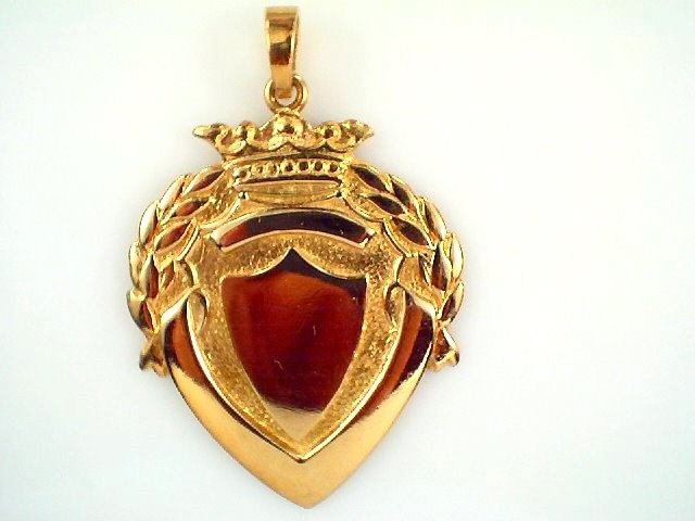 18ct Yellow Gold Antique Looking Shield