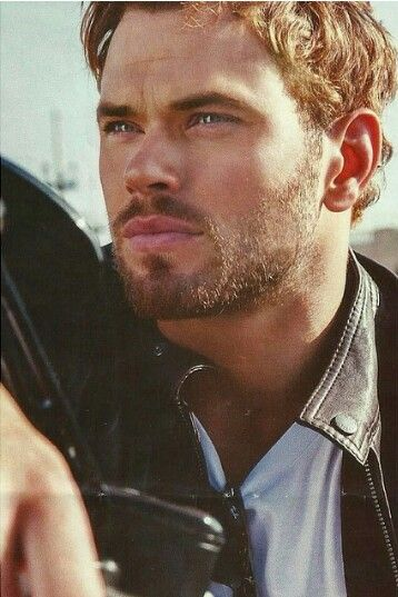Kellan Lutz ... an amazing picture <3
