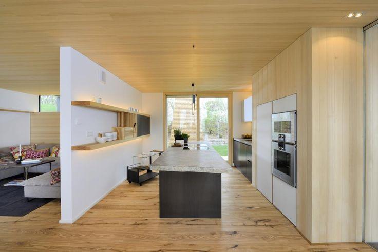 Vom Heustadl zum Wohnhaus - das Bau-Fritz Haus Alpenchic Katalog - offene küche wohnzimmer trennen