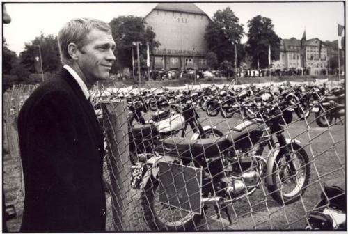 "Steve McQueen at the Erfurt ""Thüringenhalle"" in 1964"