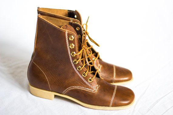 caramel brown leather lace up hipster boots size 7