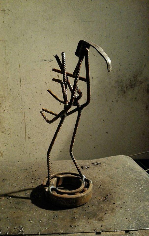 """Pöödi"" the Bird 11/2016 Scrap metal art, welded"