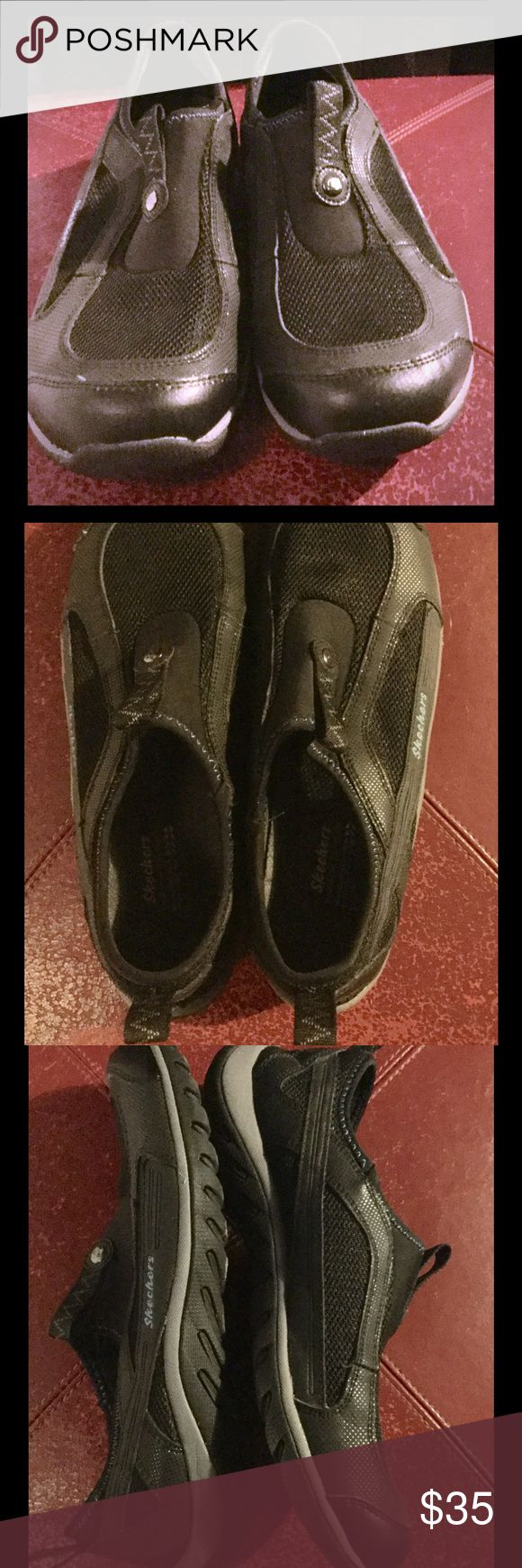 Skechers ladies slip on Size 9.5 womens, used but looks new! Good for walking. Beach/Water shoes. This one looks almost NEW!! To see is  to believe 😊👍 Skechers Shoes Flats & Loafers