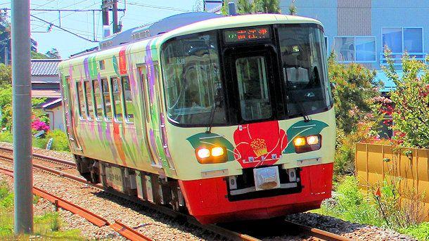 ET122-8えちごトキめき鉄道