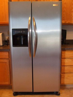 How To Clean Stainless Steel Wipe the appliance entirely with olive oil. Then immediately wipe it entirely with vinegar.