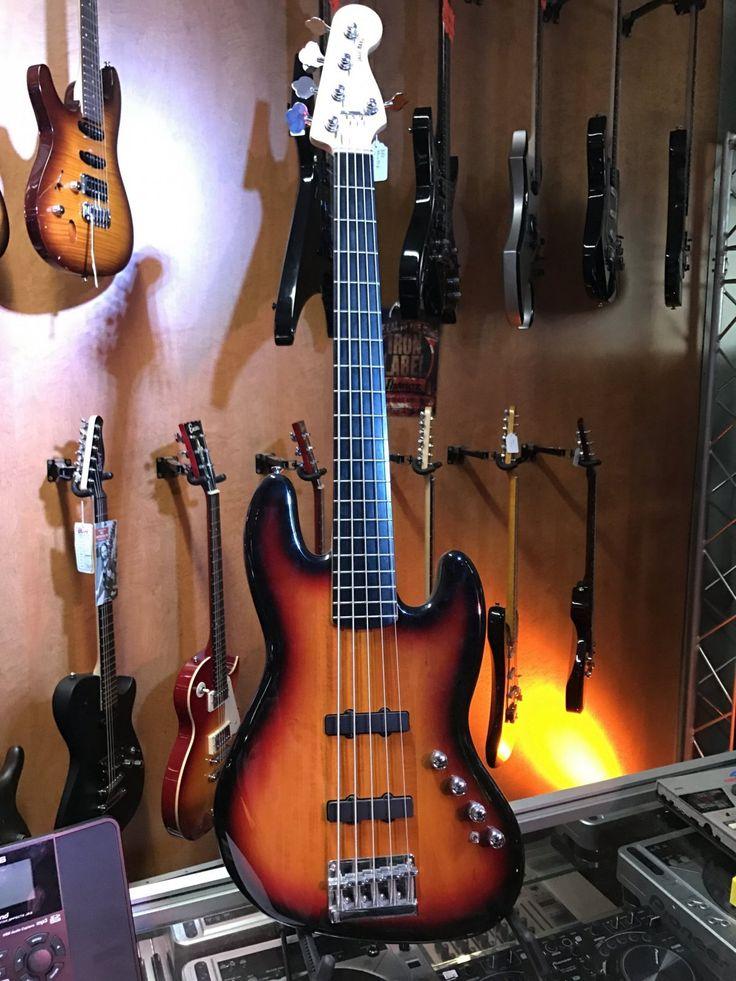 Squier Jaz Bass