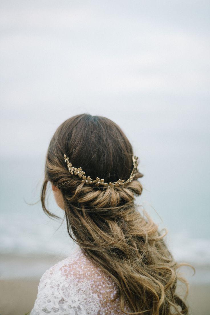 Gorgeous Loose Waves Bridal Hair