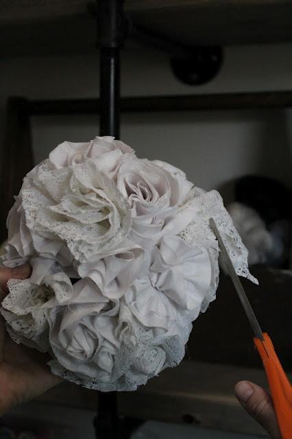 how to make pom pom lace