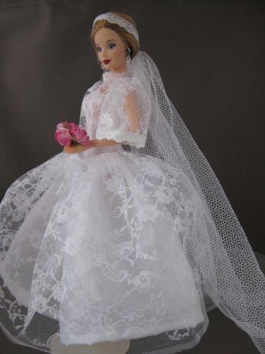 Wedding Belle. Zelfgemaakte Barbie kleding te koop via Marktplaats bij de advertenties van Nala fashion. Homemade Barbie doll clothes (OOAK) for sale through Marktplaats.nl Verkocht/sold