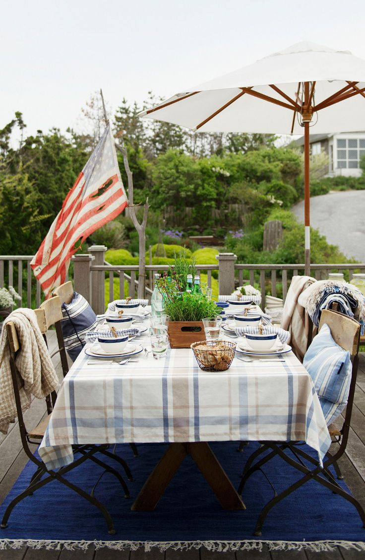 Gather friends for a spring outdoor dinner!