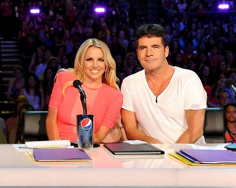 Britney and Simon: X Factors, Simon Cowel, Spears Didnt, Leaves Britney, Britney Bitch, Britney Jeans, Music Artists, Didnt Storms, Britney Spears