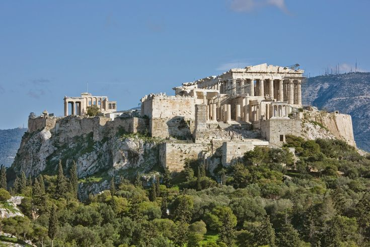 The Parthenon can survive earthquakes
