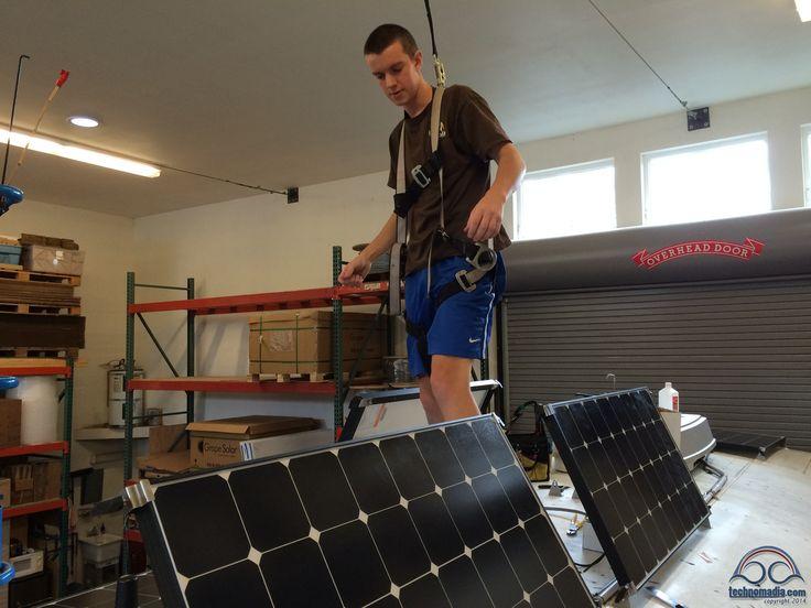 800 Watt RV Bus Roof Solar Install. Rigid panels show many advantages over flexible panels.