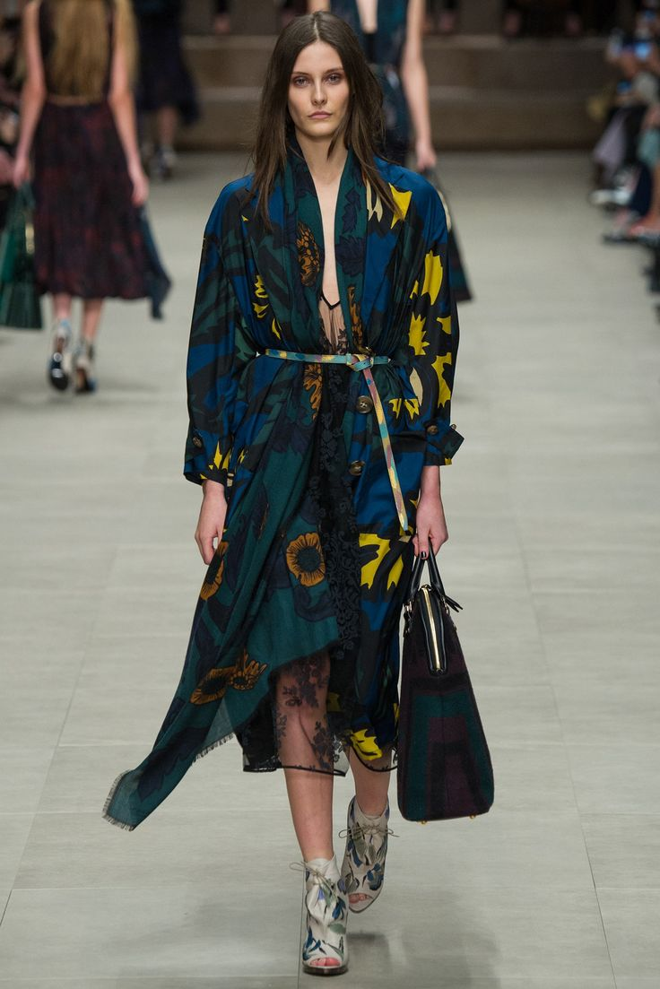Burberry Prorsum Fall 2014 Ready-to-Wear Fashion Show - Matilda Lowther