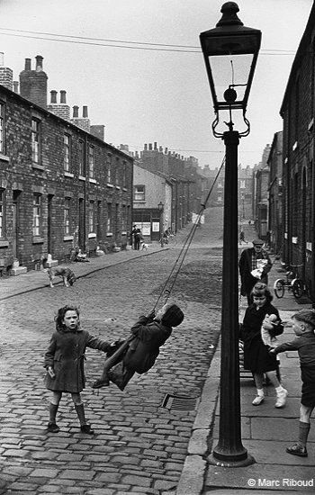 Leeds (1954), England | Marc Riboud - Photography